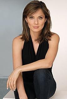 Jacqueline Pinol Picture
