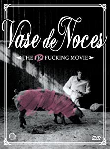 Watching old movie Vase de noces [2048x2048]