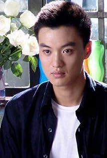 Yiwei Zhou Picture