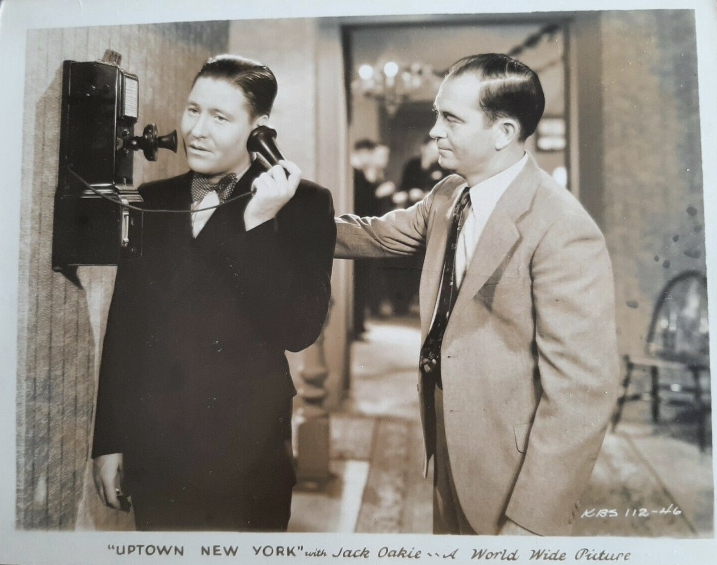 George Cooper and Jack Oakie in Uptown New York (1932)