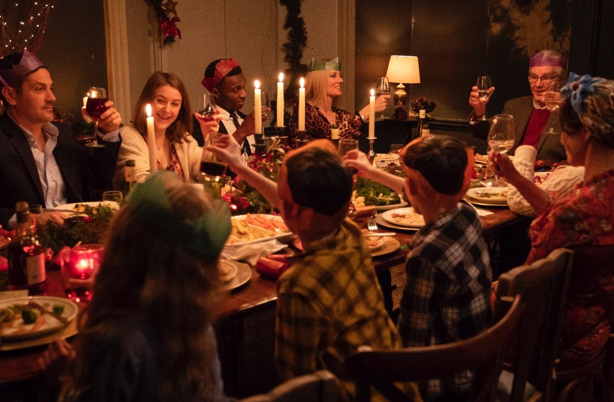 Rüyada Eski Akrabaları Evde Bir Arada Toplu Görmek