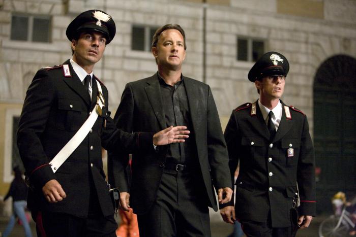 Tom Hanks and Victor Alfieri in Angels & Demons (2009)