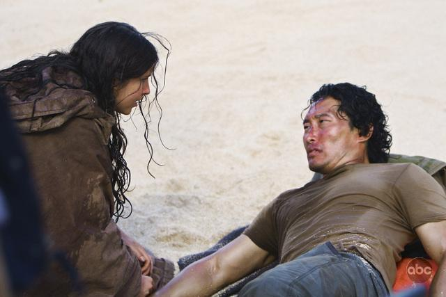 Daniel Dae Kim and Melissa Farman in Lost (2004)
