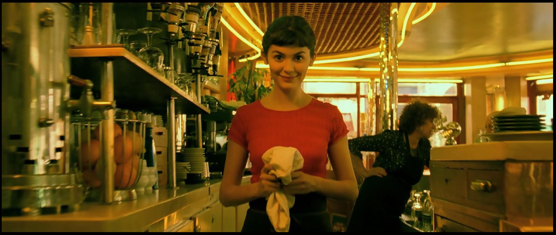 Claire Maurier and Audrey Tautou in Le fabuleux destin d'Amélie Poulain (2001)