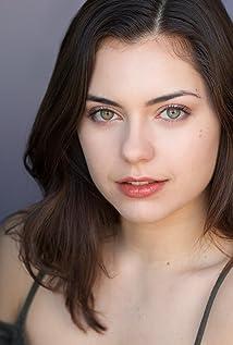 Gabrielle Kalomiris Picture