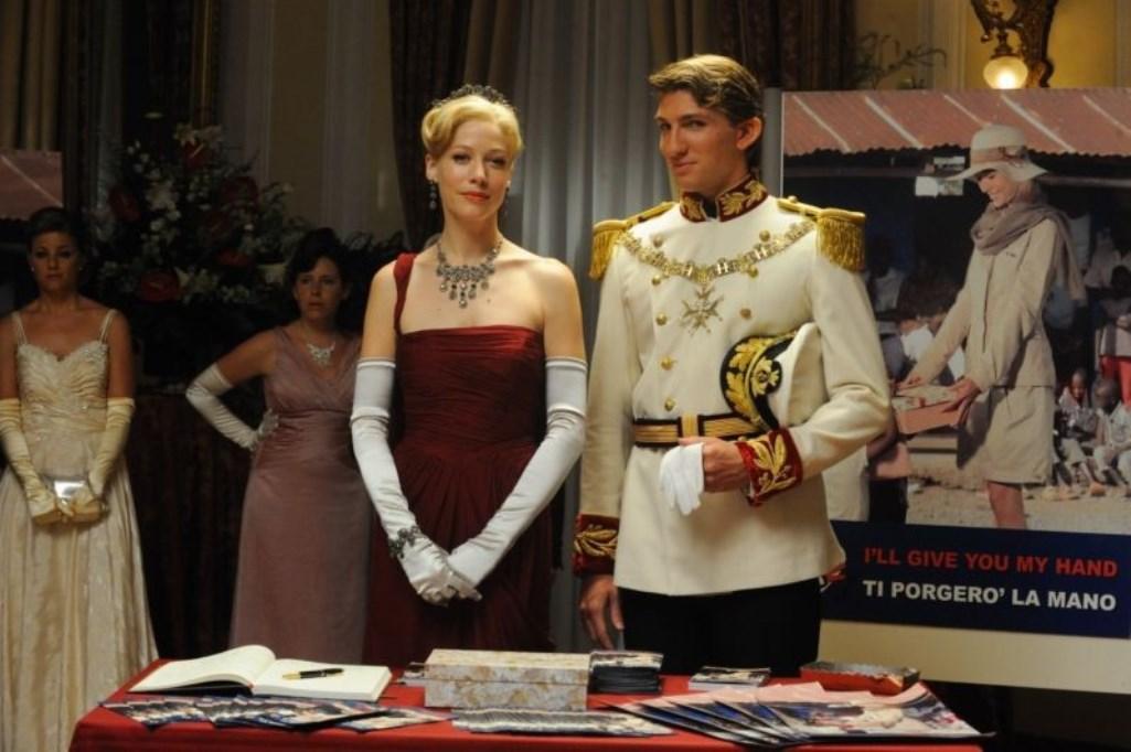 Sarah Felberbaum and Alan Cappelli Goetz in Il principe abusivo (2013)