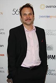 Norbert Leo Butz Picture