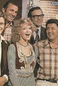 Zivot je lep (1975)