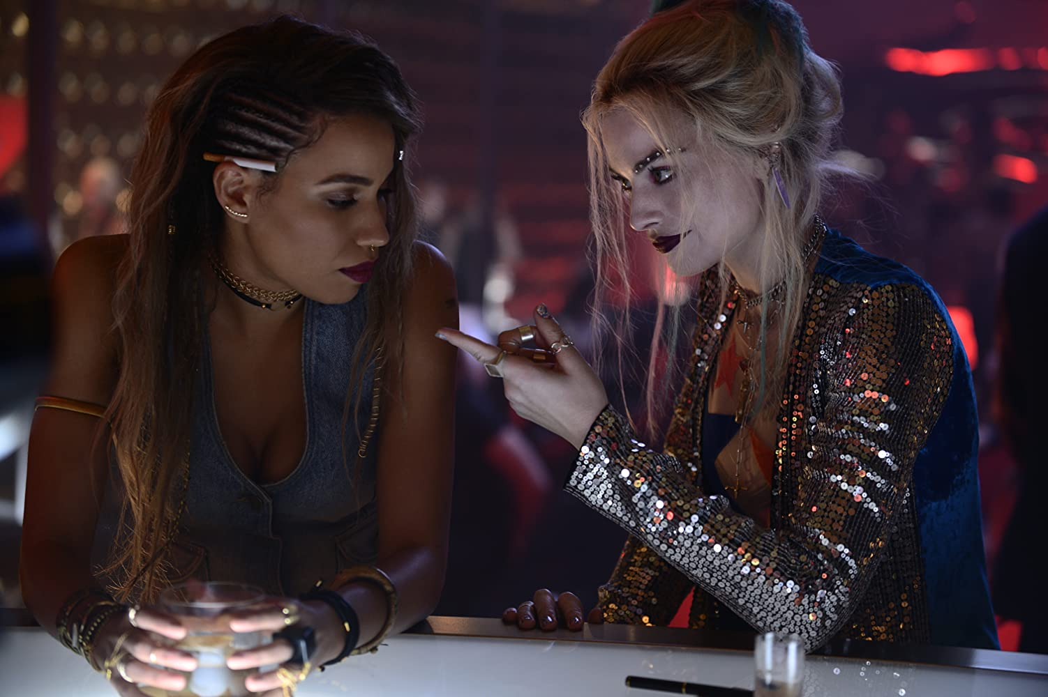 Jurnee Smollett-Bell and Margot Robbie in Birds of Prey: And the Fantabulous Emancipation of One Harley Quinn (2020)