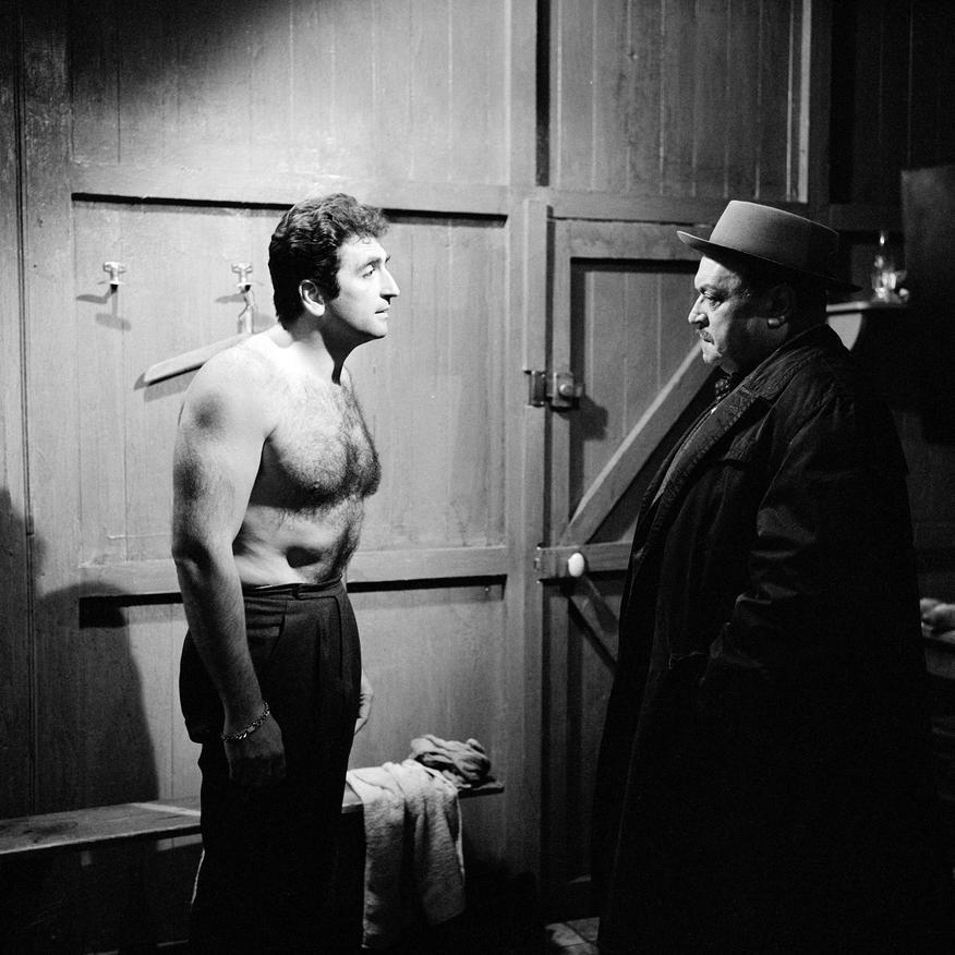 Mario David and Raymond Souplex in Les cinq dernières minutes (1958)