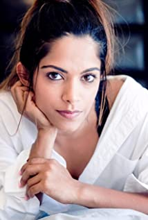 Deepti Kingra Picture