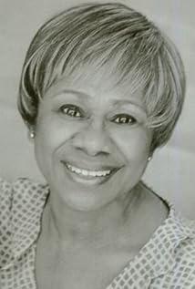 Maxine Hayden Picture