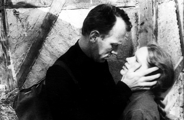 Max von Sydow and Liv Ullmann in Vargtimmen (1968)