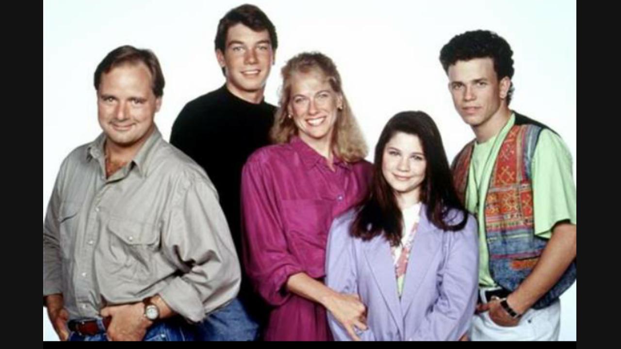 Jerry O'Connell, Christopher Bolton, Wanda Cannon, Derek McGrath, and Marsha Moreau in My Secret Identity (1988)