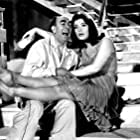 Jenny Karezi and Dionysis Papagiannopoulos in Dis diefthyntis (1964)