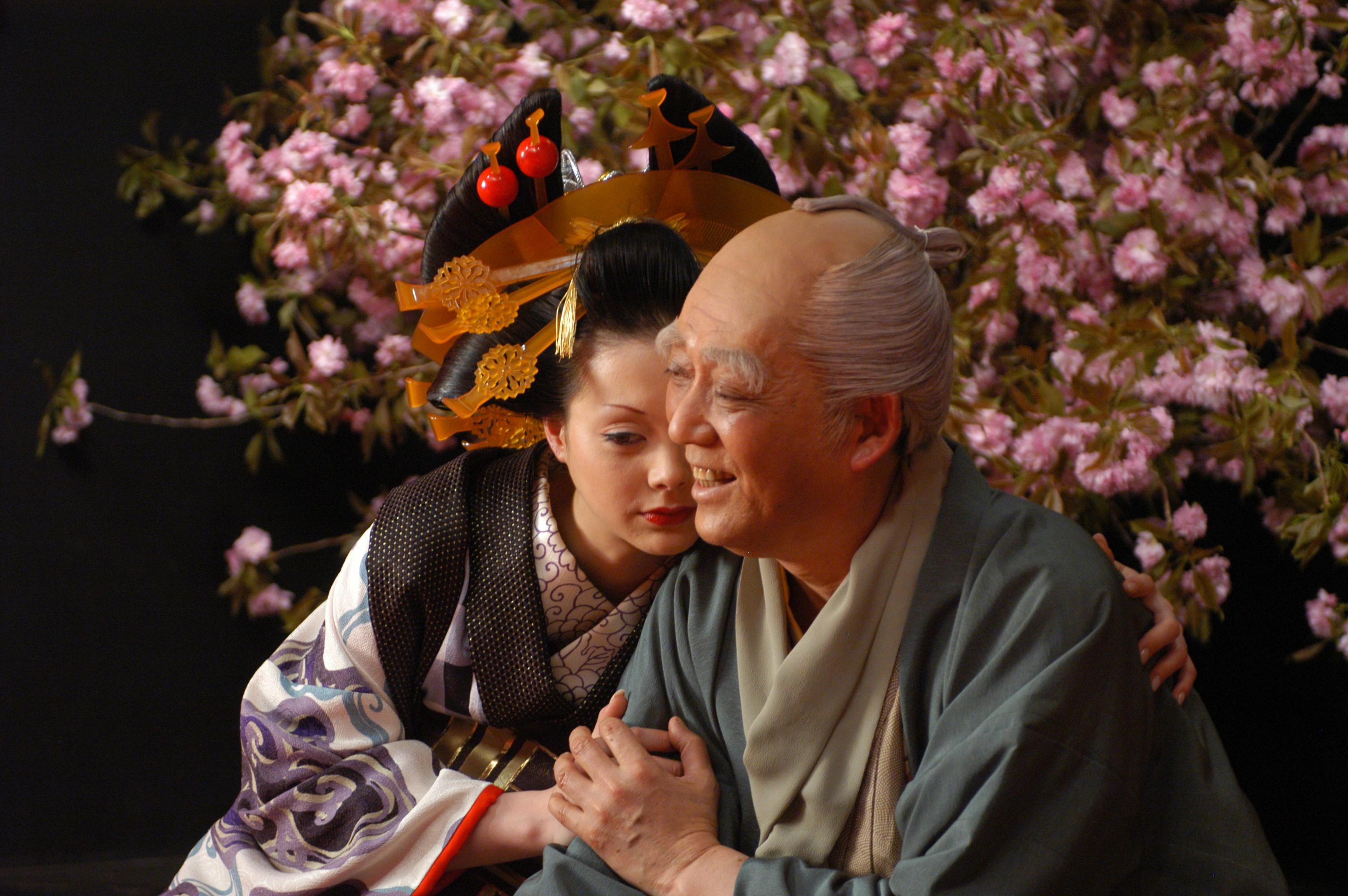 Anna Tsuchiya and Sadanji Ichikawa IV in Sakuran (2006)