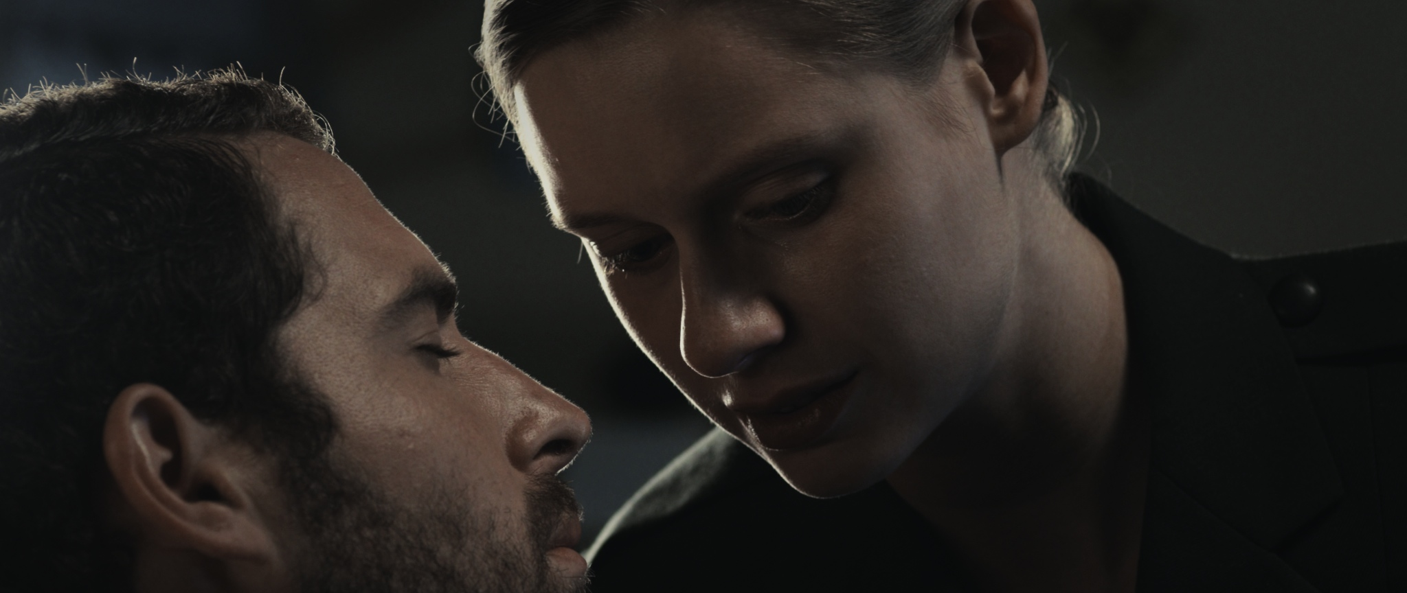 Adam Quintero and Manuela Vellés in Hibernation (2012)