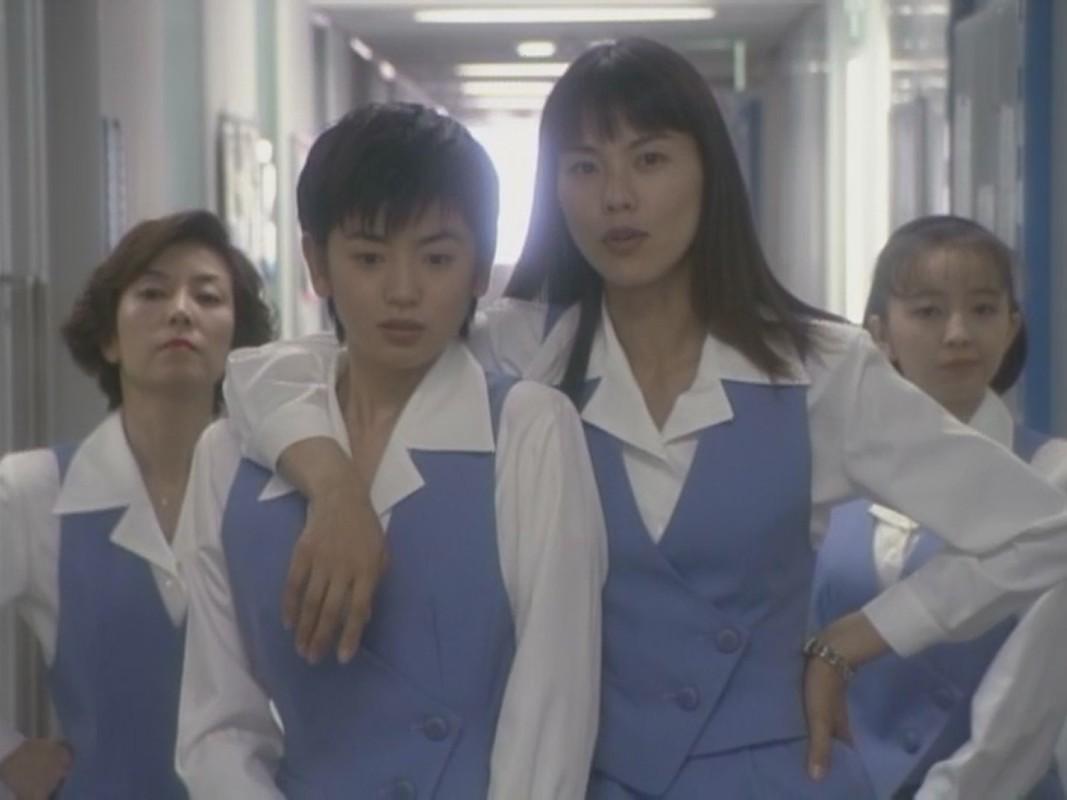 Makiko Esumi, Kotomi Kyôno, Yumiko Takahashi, and Keiko Toda in Shomuni (1998)