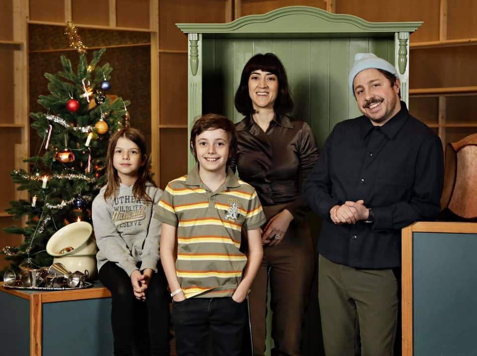 En hederlig jul - med familjen Knyckertz (TV Mini Series 2021) - Photo Gallery - IMDb