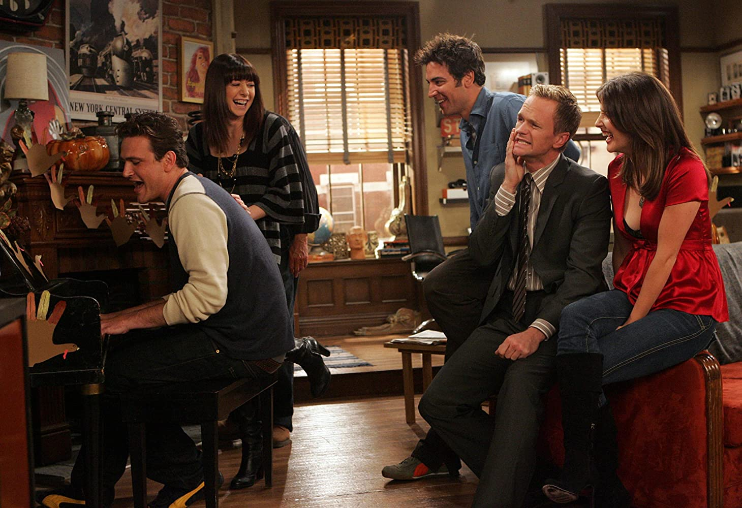 Neil Patrick Harris, Alyson Hannigan, Jason Segel, Josh Radnor, and Cobie Smulders in How I Met Your Mother (2005)