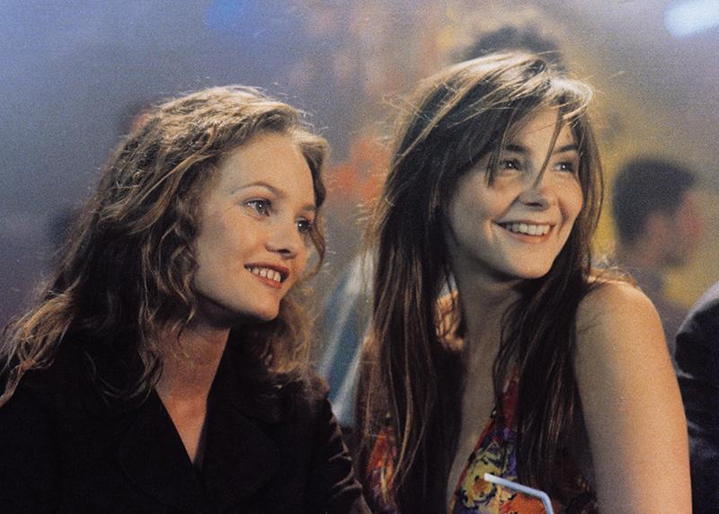 Clotilde Courau and Vanessa Paradis in Élisa (1995)