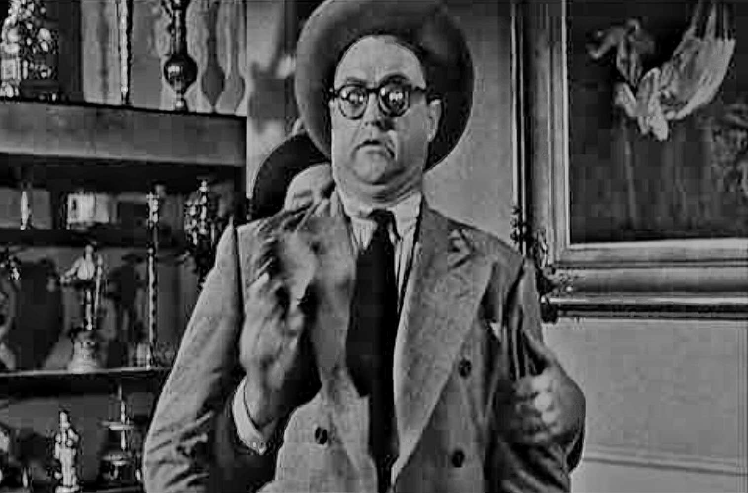 Joe Besser Short, chubby, balding, childish character actor who began his career on the vaudeville. joe besser