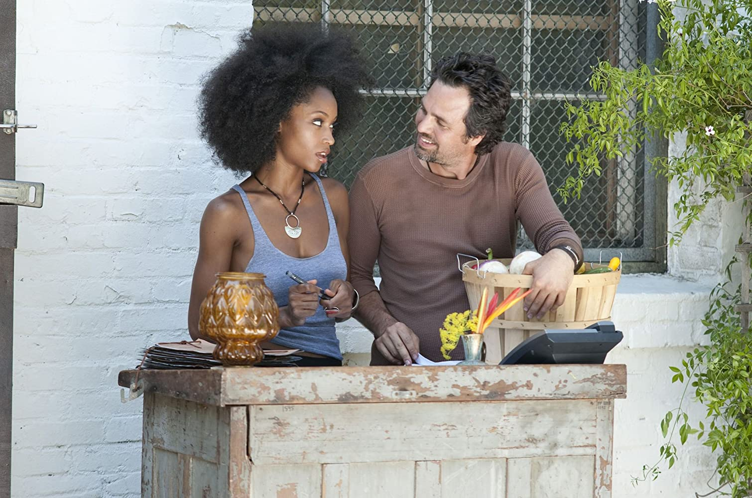 Mark Ruffalo and Yaya DaCosta in The Kids Are All Right (2010)