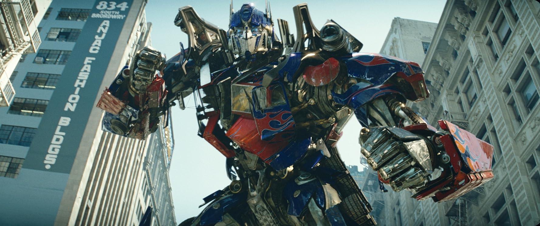 Peter Cullen in Transformers (2007)