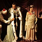 Gillian Anderson and Hugh Bonneville in Viceroy's House (2017)