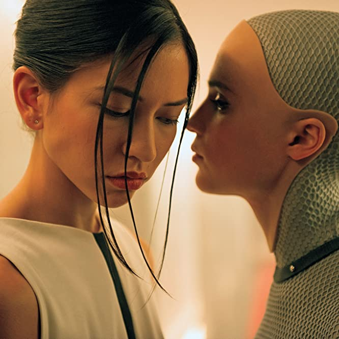 Alicia Vikander and Sonoya Mizuno in Ex Machina (2014)