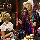Pilar Bardem and Yvonne Catterfeld in Hexe Lilli: Der Drache und das magische Buch (2009)