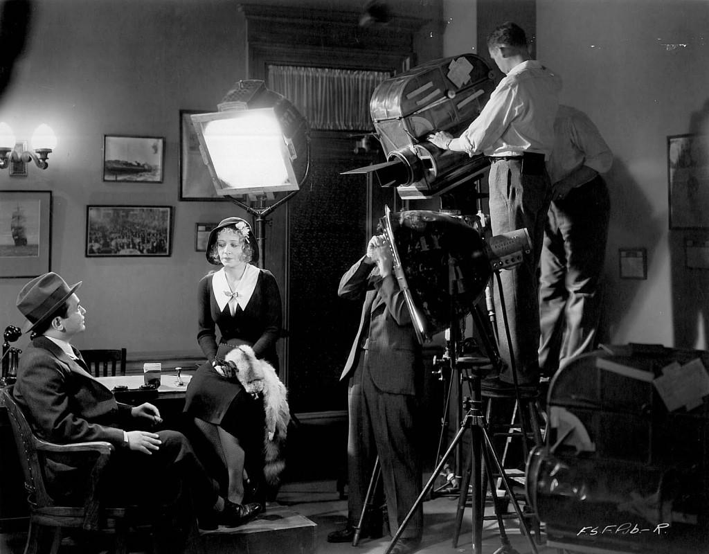 Edward G. Robinson and Ona Munson in Five Star Final (1931)
