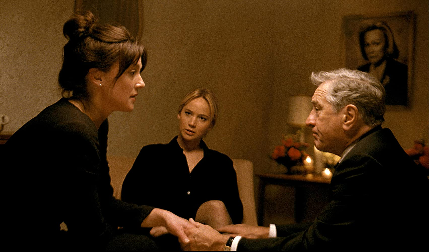 Robert De Niro, Elisabeth Röhm, and Jennifer Lawrence in Joy (2015)