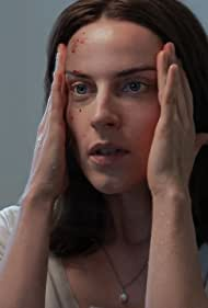 Antje Traue in Dead End (2019)