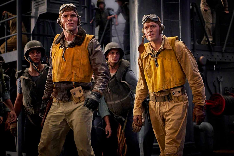 Luke Kleintank and Ed Skrein in Midway (2019)