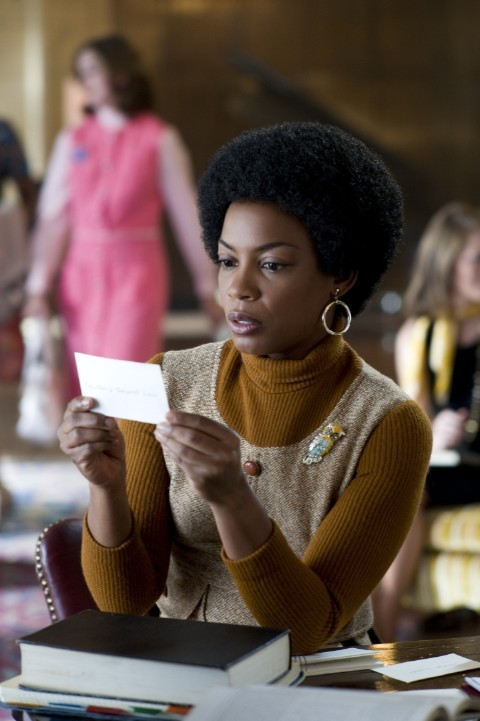 Aunjanue Ellis in Gifted Hands: The Ben Carson Story (2009)