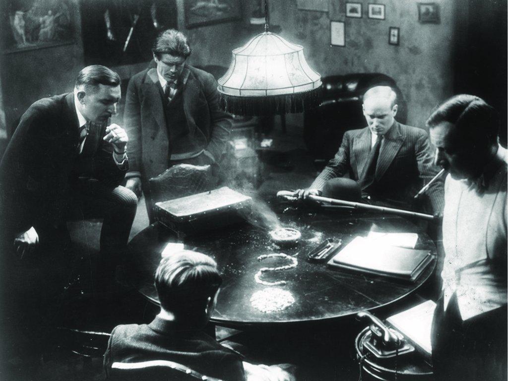 Theo Lingen, Friedrich Gnaß, Gustaf Gründgens, Paul Kemp, and Fritz Odemar in M - Eine Stadt sucht einen Mörder (1931)
