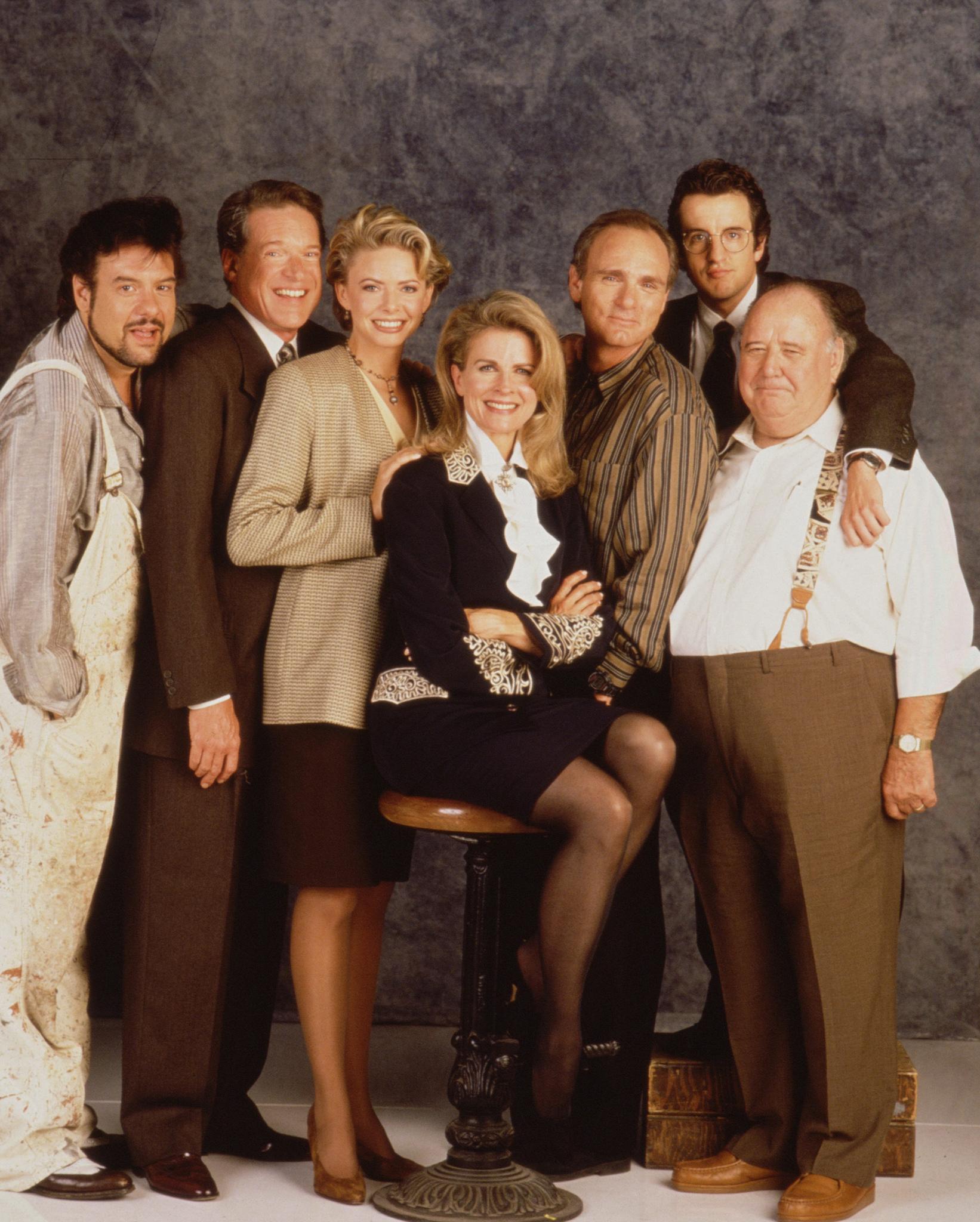 Candice Bergen, Faith Ford, Joe Regalbuto, Pat Corley, Charles Kimbrough, Robert Pastorelli, and Grant Shaud in Murphy Brown (1988)