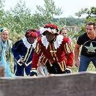 Inge Ipenburg, Gerard Joling, Thomas Terstal, and Harold Verwoert in Sinterklaas en het pakjesmysterie (2010)