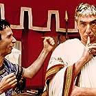 Roberto Benigni and Gottfried John in Astérix & Obélix contre César (1999)