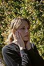 Julie Mond Picture