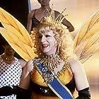 Michel Serrault in La cage aux folles III: 'Elles' se marient (1985)