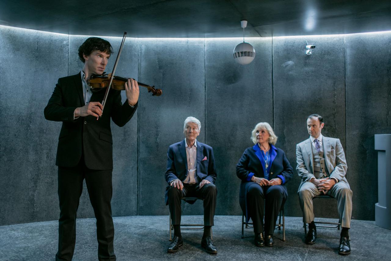 Timothy Carlton, Mark Gatiss, Wanda Ventham, and Benedict Cumberbatch in Sherlock (2010)