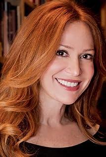 Rebecca Creskoff Picture