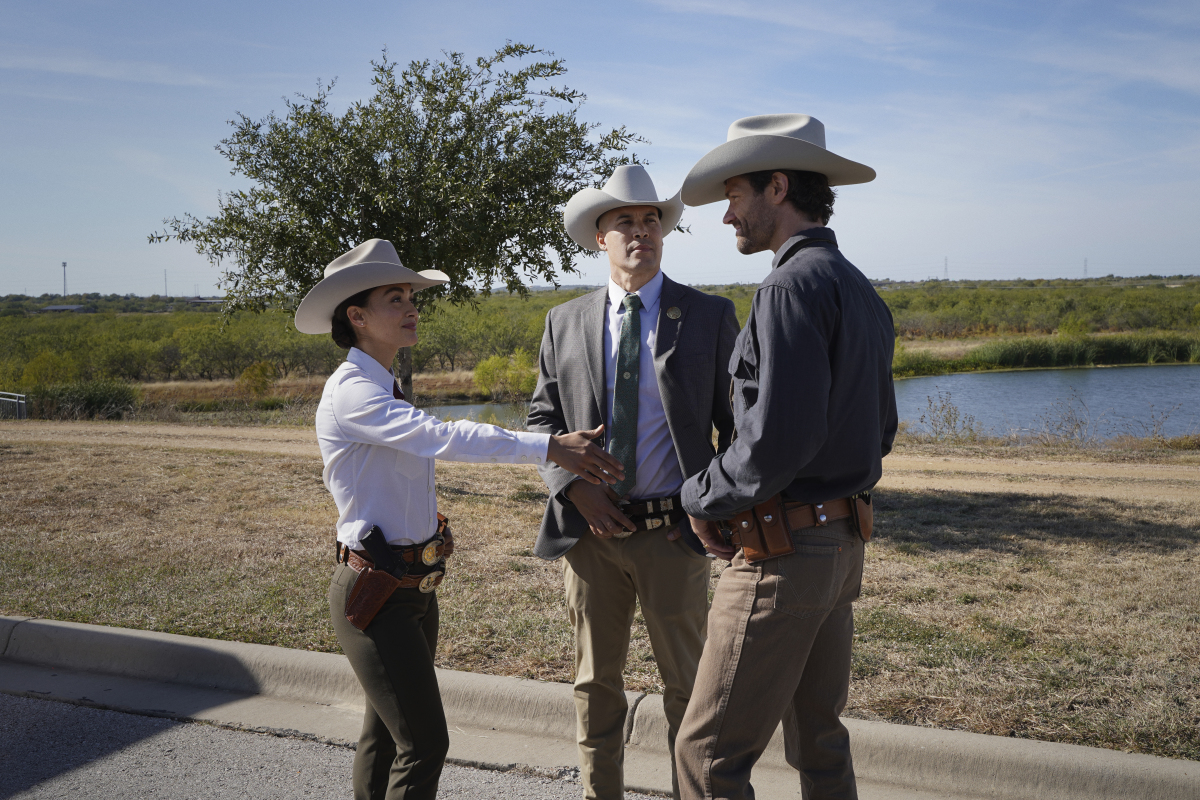 Coby Bell, Jared Padalecki, and Lindsey Morgan in Walker (2021)