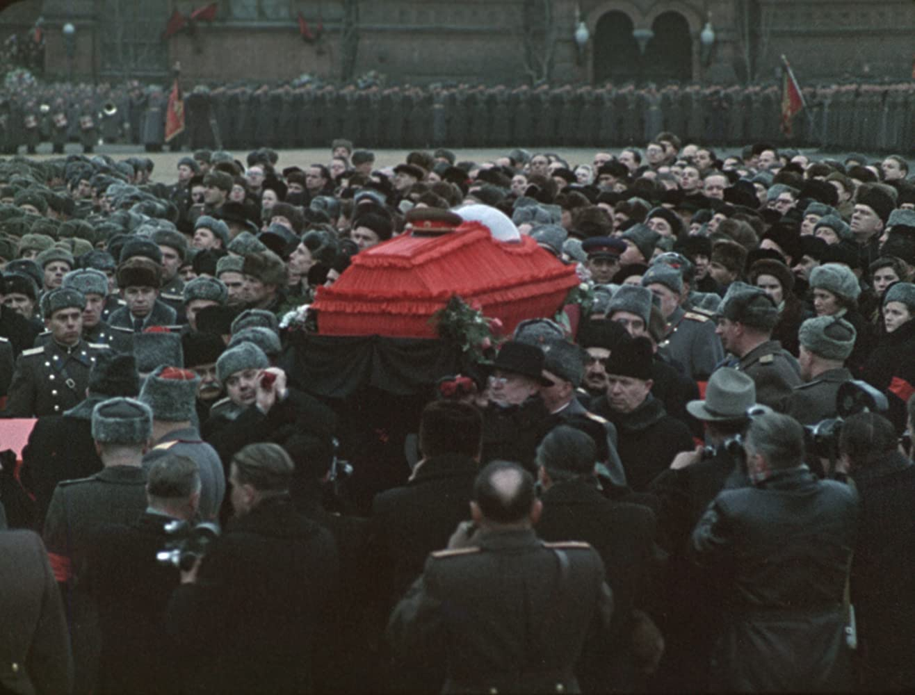 State funeral dirigida por Sergei Loznitsa