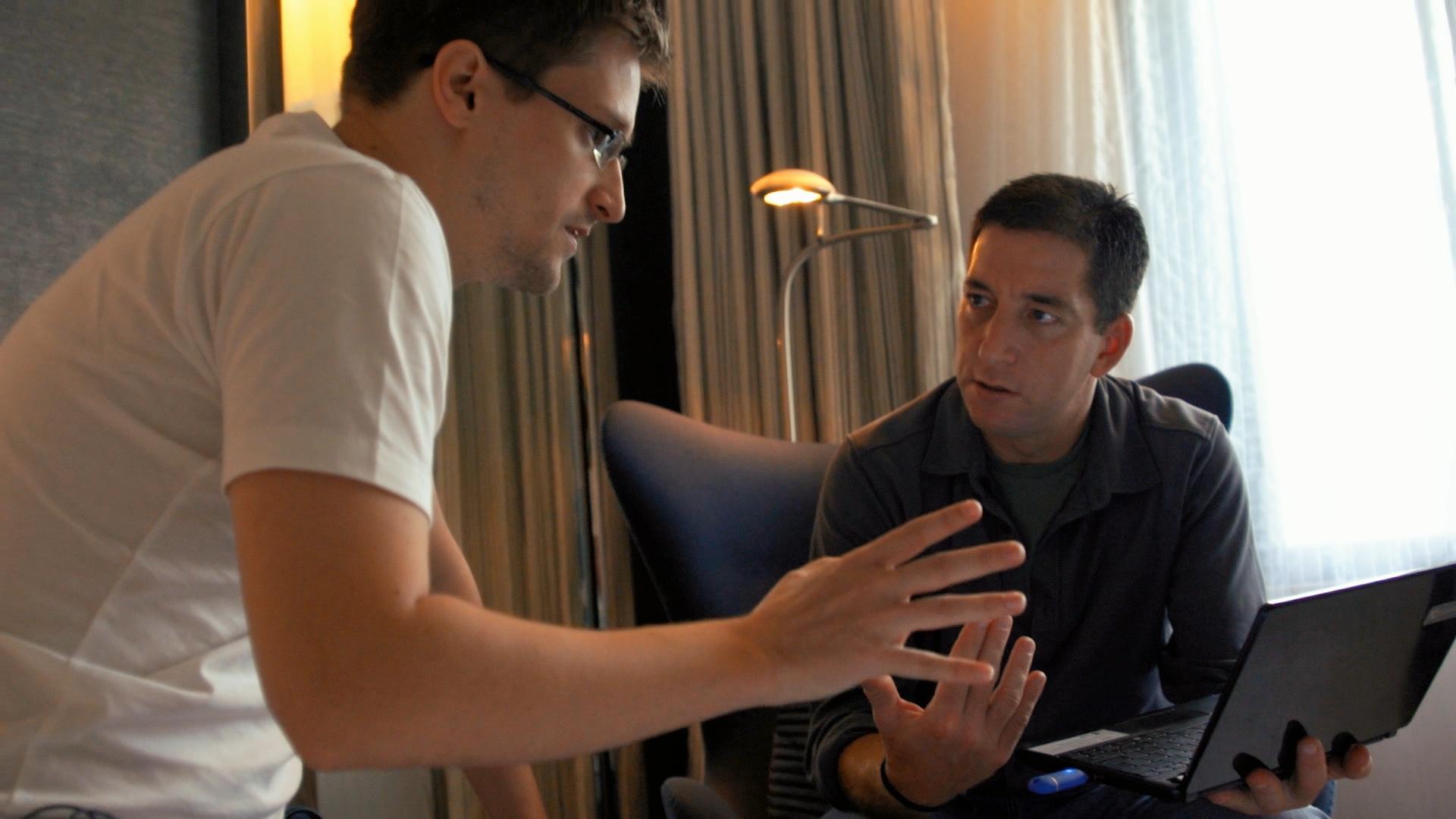 Glenn Greenwald and Edward Snowden in Citizenfour (2014)