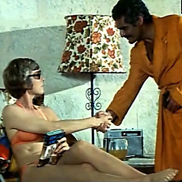 Julie Andrews and Omar Sharif in The Tamarind Seed (1974)