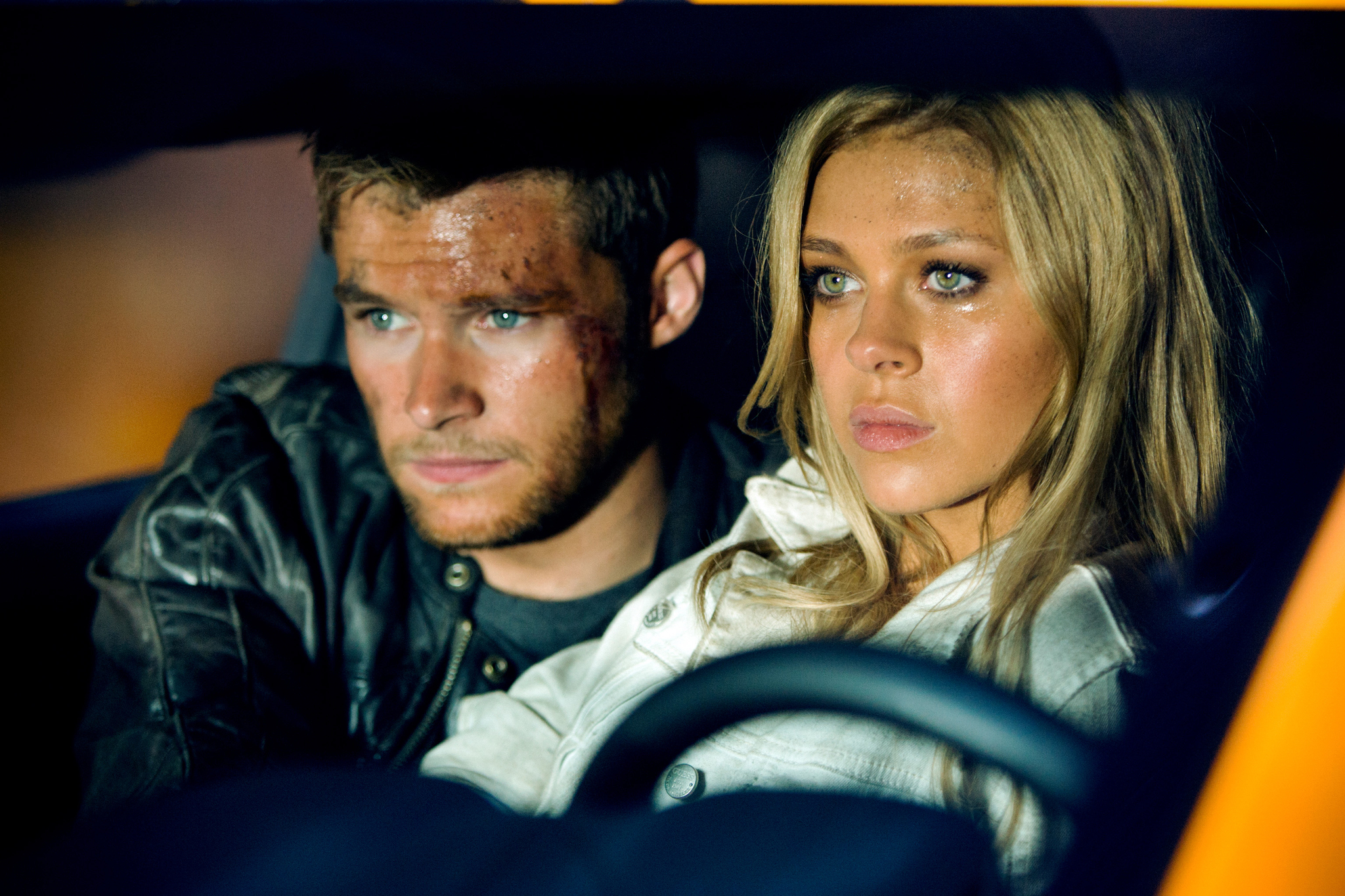 Nicola Peltz and Jack Reynor in Transformers: Age of Extinction (2014)