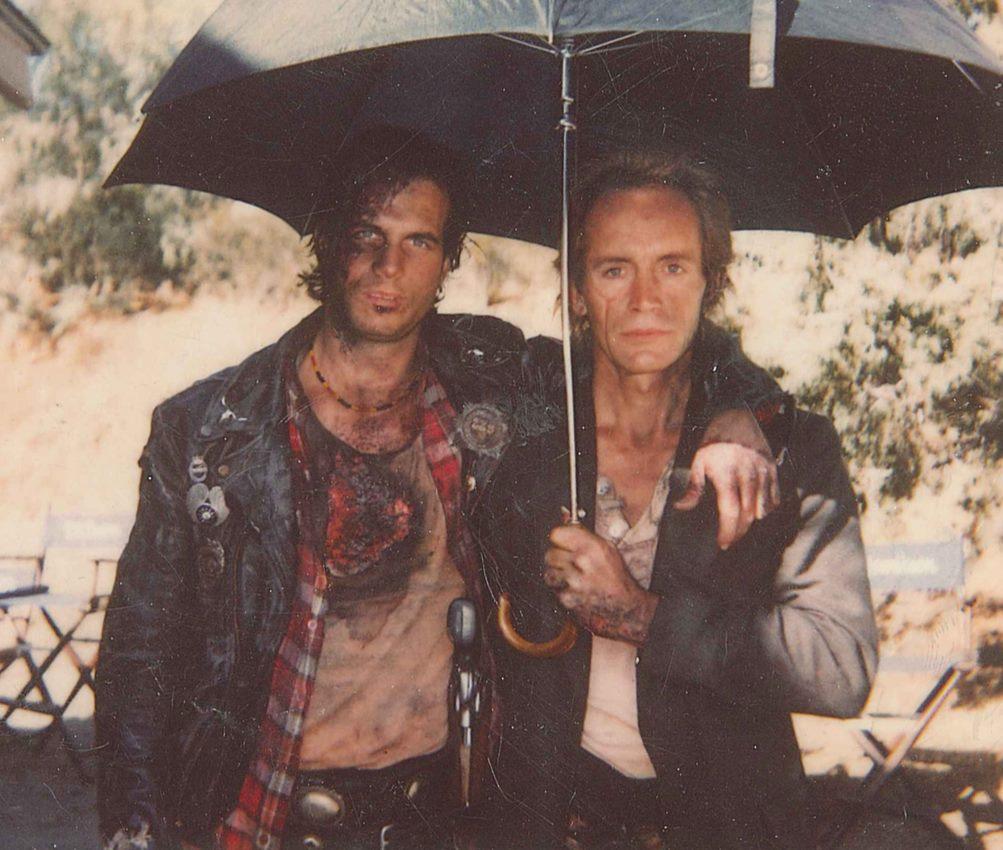 Bill Paxton and Lance Henriksen in Near Dark (1987)